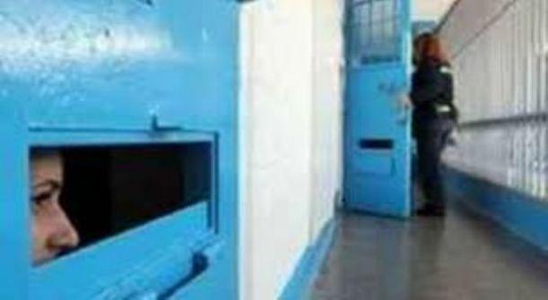 ثلاث أسيرات قاصرات عشن ظروفا صعبة في سجن الرملة