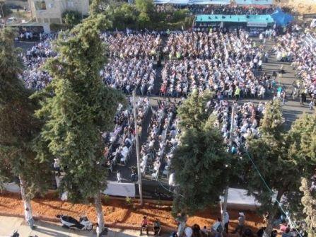 مؤتمر الخلافة في رام الله  ينهي أعماله بحضور آلاف الرجال وآلاف النساء