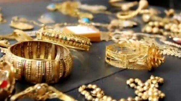 رام الله:الشرطة تكشف اليوم ملابسات سرقة مصاغات ذهبية بقيمة  8 الاف دينار