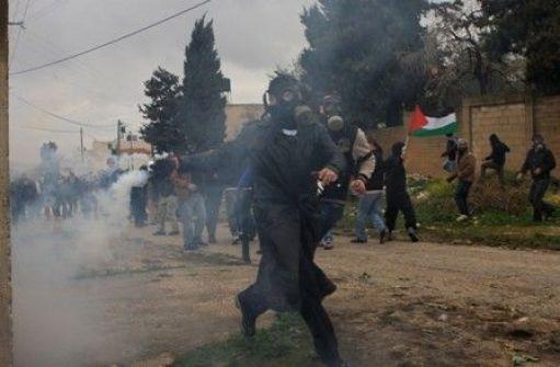 اعتقال 3 مواطنين وناشطي سلام إسرائيليين في مسيرة كفر قدوم الأسبوعية