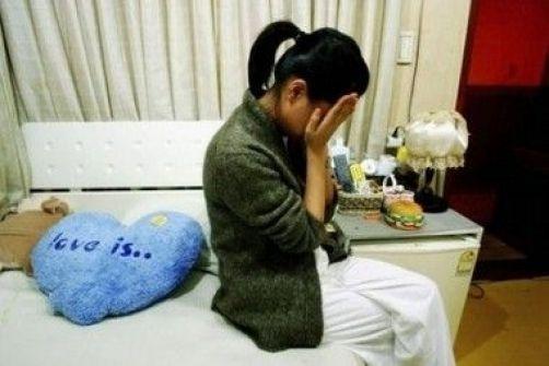 القبض على فتاة سرقت 50 الف شيقل من مكان عملها في رام الله
