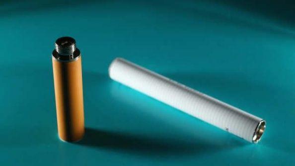 هل تدخن السجائر الإكترونية؟ إذا لن تقلع قريباً عن التدخين