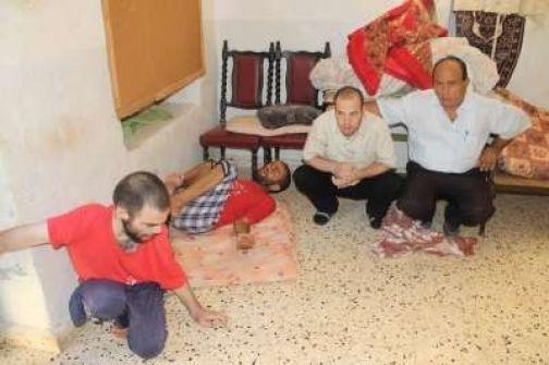 مناشدة لإنقاذ حياة عائلة فلسطينية تسكن قرية تياسير