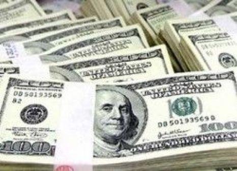 الدولار يواصل ارتفاعه ويتخطى الـ4 شواقل
