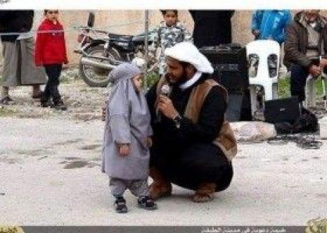 هذه أصغر تائبة في داعش.. فعن ماذا تابت هذه الطفلة؟