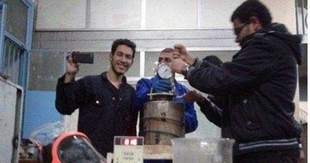 طلاب مصريون يبتكرون جهازا لإنتاج الوقود من المخلفات الزراعية