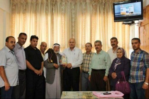لجنة لاجئين خان يونس تهنئ د.نبهان بمنصبه الجديد