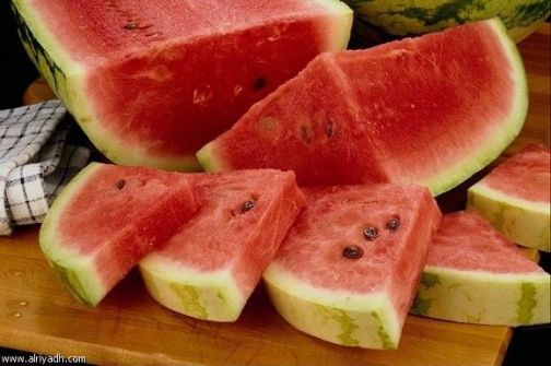 البطيخ يخفف ضغط الدم المرتفع ويحمي من الأزمات القلبية