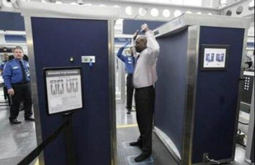 بالصور .. أجهزة جديدة تظهر تفاصيل الجسم بالمطارات الأميركية