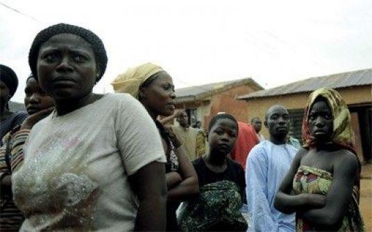 وفاة رجل نيجيري بعد معاشرة زوجاته الست في نفس الوقت!