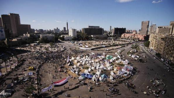 الاحتجاجات تدفع الحكومة المصرية لنقل مقرها