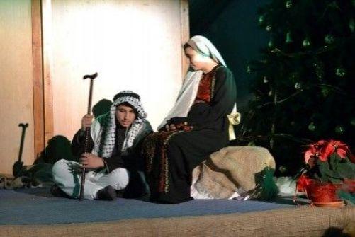 'ولد المسيح هنا وسنبقى هنا'..أوبريت ميلادي في بيت ساحور