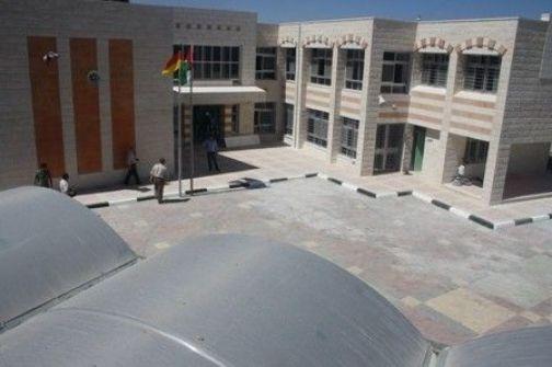 وزارة التربية تستلم مدرسة بيت كاحل الاساسية