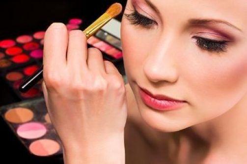 8 حيل سحرية تخلصك من بشرتك الشاحبة