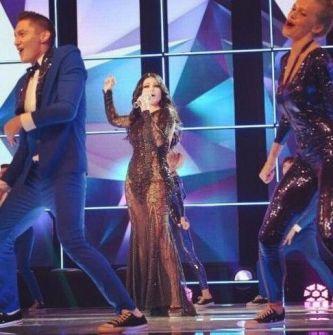 بالفيديو- فستان هيفاء وهبي الجريء وحقيقة حذف أغنيتها في إعادة حلقة ستار أكاديمي على قناة CBC