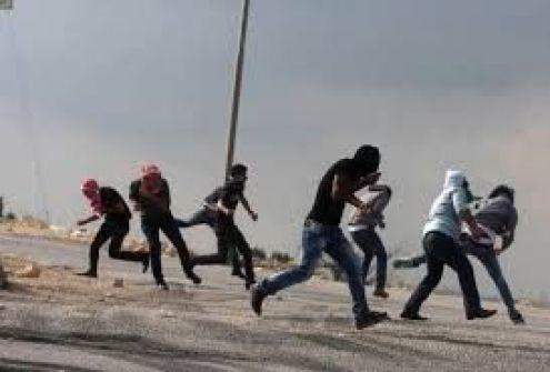 اصابة شاب واعتقال 4 بينهم متضامن اجنبي في مسيرة كفر قدوم