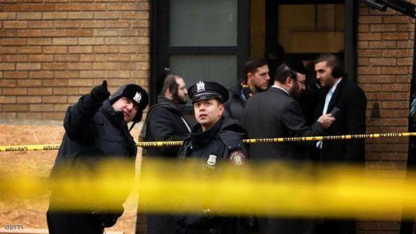 إصابة 3 اشحاص في عملية طعن جماعية بكنيس يهودي في نيويورك