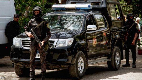 مصر.. أمر بحبس شرطي قتل شقيقين بسبب مخالفة مرورية