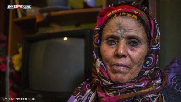 الوشم في الجزائر.. من معيار جمال إلى نقمة