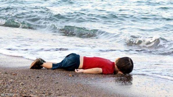 غضب عارم إزاء صحيفة فرنسية سخرت من طفل غريق