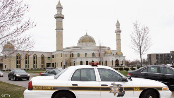 أميركي يقر بتهديده مسجدين في فلوريدا بعد هجمات باريس