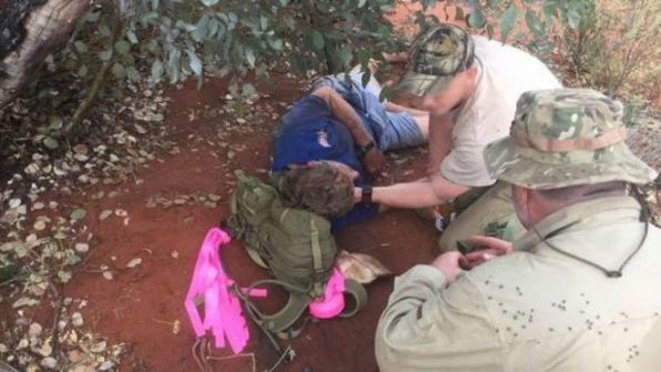 'رجل النمل': استرالي عاش 6 أيام من دون ماء على أكل النمل