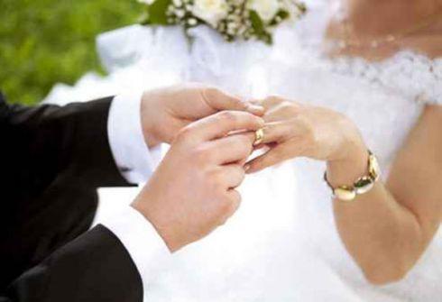 موقع يمنح 10 آلاف دولار للراغبين بالزواج ويسترد المبلغ مع الفوائد بعد الطلاق