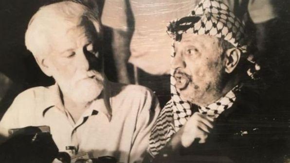 """معلومات تكشف لأول مرة.. كيف خططت إسرائيل لاغتيال ياسر عرفات عام 1982 ودور """"السمك المملح""""!"""