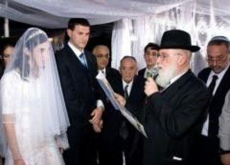 منظمة يهودية تخطف النساء المتزوجات من عرب وأخرى تُحذر العرب من الاختلاط باليهوديات