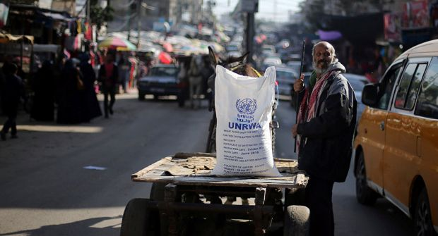 'هآرتس': الأمن الإسرائيلي يوصي بإيجاد بديل لـ 'الأونروا' لمنع 'انفجار كبير' في غزة