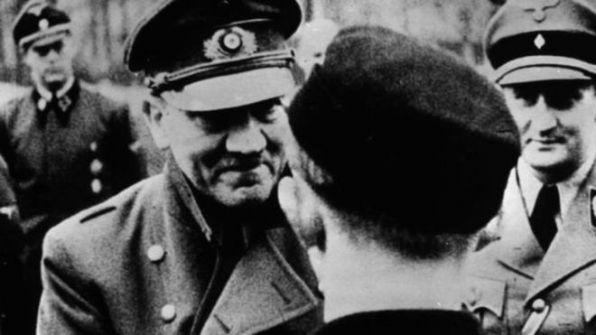 هل كان والد هتلر طفلاً غير شرعي لأب يهودي؟