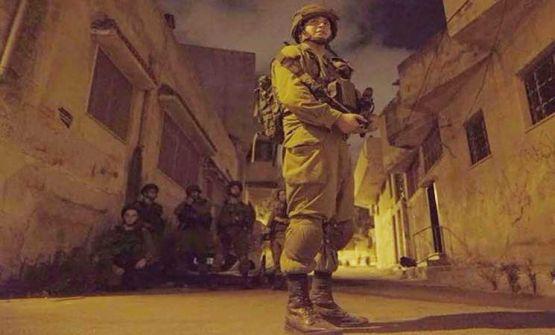 مستوطنون يقتحمون قبر يوسف واعتقالات في بيت امر