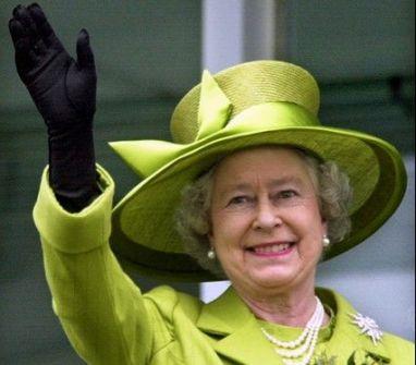 ملكة بريطانيا تعلن عن حاجتها إلى سائق خاص