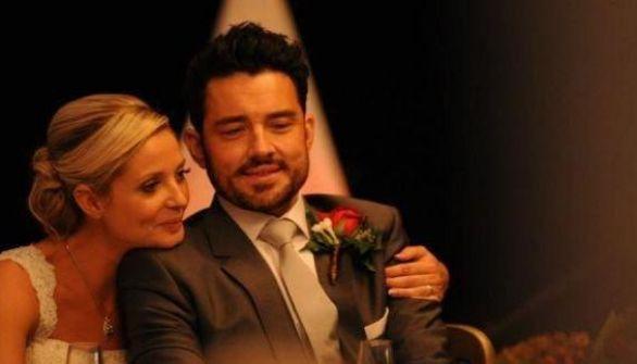 بالصور: عروس تعجِّل بالزواج من خطيبها الذي يحتضر!