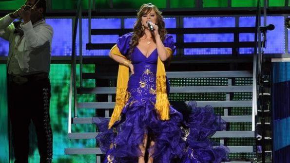 مصرع المغنية جيني ريفيرا بحادث طائرة