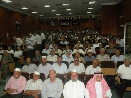 شباب حزب التحرير يعقدون ندوة في قاعة بلدية قلقيلية