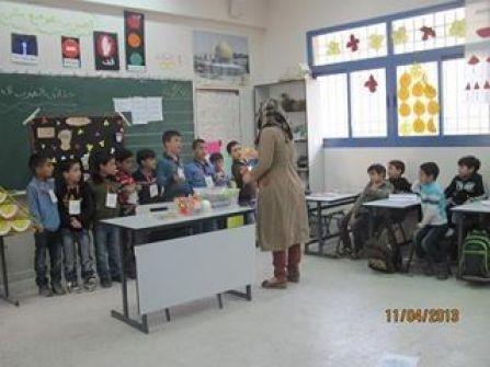 مدرسة الاقصى للبنات في ترقوميا تحتفل بافتتاح جدارية بعنوان الغذاء من أجل التعليم