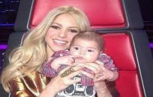 شاكيرا: الرضاعة تجربة رائعة.. سأرضع ابني حتى يذهب إلى الجامعة