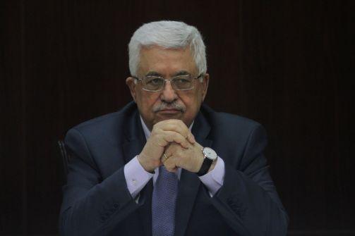 هارتس : اسرائيل قلقة من ضعف وتاّكل مكانة الرئيس عباس والتصعيد الكبير قادم