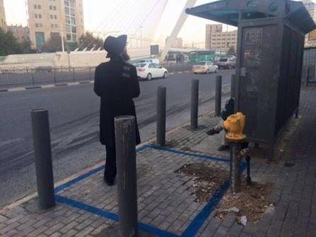 القدس: الاحتلال يبدأ بتحصين 300 محطة حافلات لمنع عمليات الدهس