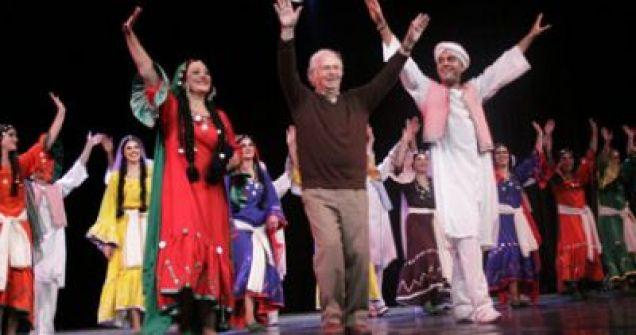 فرقة رضا للفنون الشعبية بين الفن والواقع