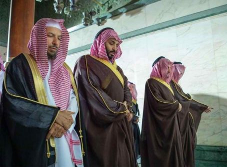 إخلاء صحن الكعبة لمحمد بن سلمان