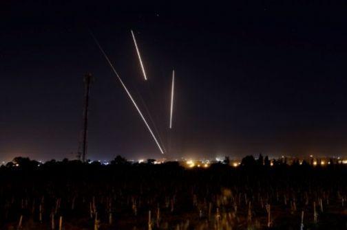 الاحتلال يزعم:اطلاق قذيفتين من قطاع غزة باتجاه مستوطنات الغلاف وصفارات الانذار تدوي