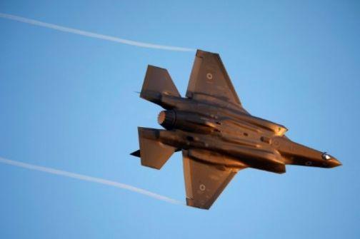 الجيش الاسرائيلي في الجولان يهاجم طائرة مدنية من طائراته بعد الاشتباه بها بانها معادية قادمة من سورية