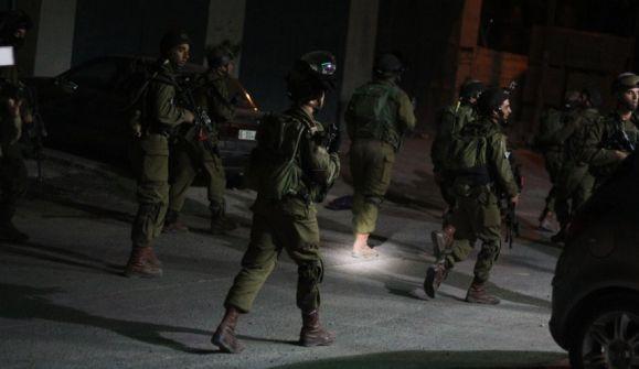 الاحتلال يعتقل شابين من قرية مركة جنوب جنين