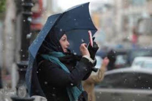 توقعات بتساقط الثلوج مساء اليوم والفيضانات تغلق طريق البحر الميت