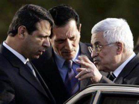 صحيفة: الوساطة اللبنانية بين أبو مازن ودحلان تفشل رسميا وانتقادات حادة للمركزية