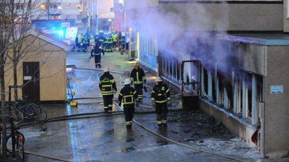 فرنسا: مهاجمة مسجد واحراق المصاحف بداخله
