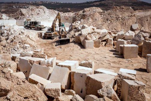 'هيومن رايتس ووتش':اسرائيل أغلقت نحو 35 مقلعا فلسطينيا للاحجار في الضفة الغربية