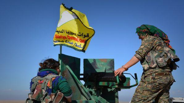 قوات سوريا الديمقراطية: حلفاؤنا 'طعنونا في الظهر' وانسحبوا